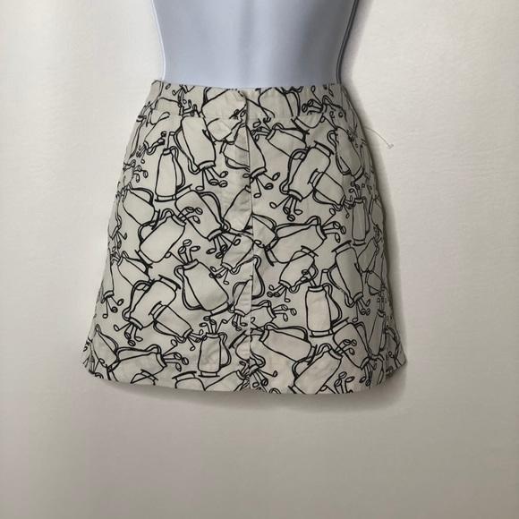 Liz Claiborne Dresses & Skirts - Liz Golf skort Black white golf bag pattern Sz 4